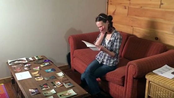 Mama ei murise în urmă cu 23 de ani de cancer. Dar într-o zi a primit o scrisoare care era de la ea și a început să plângă!