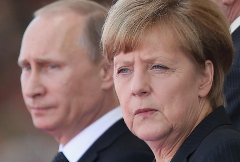 """Merkel: """"Mai bine emigranți decât români""""- Toți ROMÂNII vor fi EXPULZAȚI forțat din Germania, alături de ceilalți solicitanți de azil"""