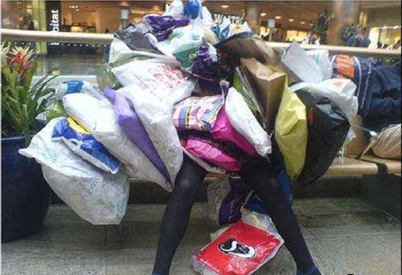 Este sezonul CADOURILOR și toți umblăm să ne cheltuim salariile pe lucruri. Dar nu o întreci pe această femeie care a cheltuit o AVERE pe CADOUL de Crăciun- 50.000 de dolari. E uimitor ce a făcut cu ei