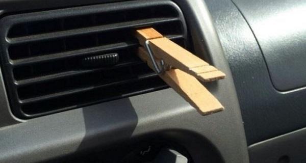 Își prindea mereu un clește de rufe de grilele de ventilație ale mașinii și nimeni care urca în mașina lui nu înțelegea de ce face asta. Când le-a spus motivul, imediat au încercat și ei, uite de ce face asta