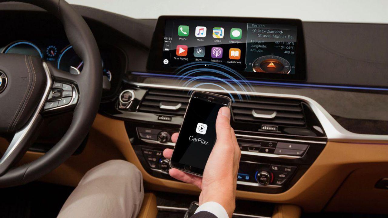 BMW va taxa anual utilizatorii de iPhone care vor să îşi conecteze telefonul la maşină