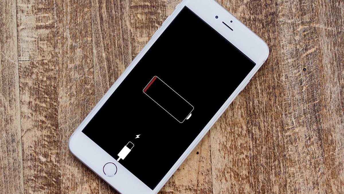 O femeie a primit amendă pentru că a rămas fără baterie la telefon
