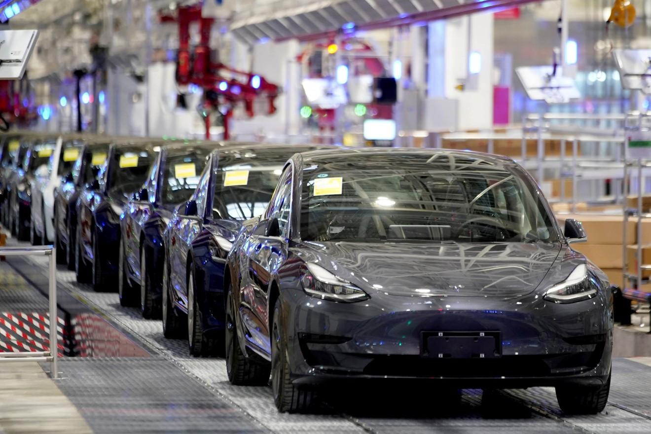 Tesla va deschide un centru de cercetare şi dezvoltare în China