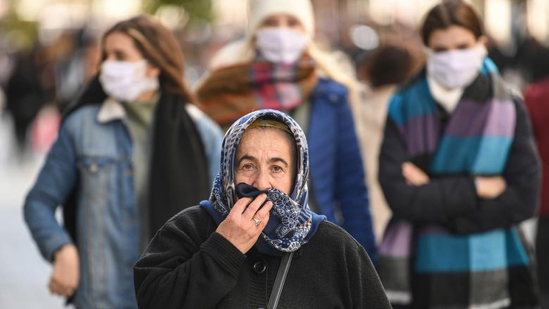 45 tuổi - tuổi trung bình của bệnh nhân coronavirus ở Romania. Hầu hết là từ 19 đến 50 tuổi