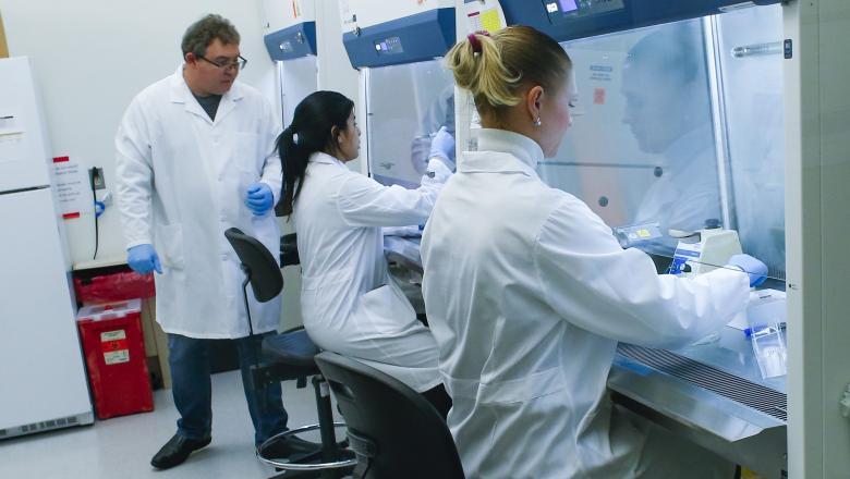 Cercetătorii canadieni anunță că au izolat cu succes virusul care provoacă COVID-19. Israelul va testa vaccinul oral pentru coronavirus