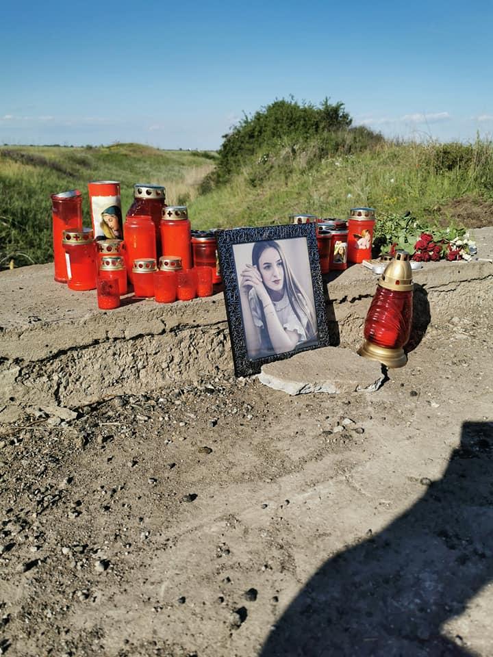 """Adriana a murit la 19 ani! """"A trebuit să pierdem o viaţă ca să se asfalteze o groapă"""". Cum a murit tânăra din Slatina și ce spun autoritățile despre tragicul accident:"""