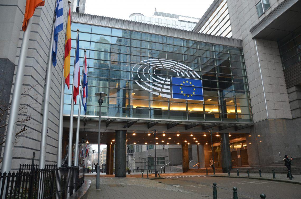 Continuă disputa pe bugetul UE. Parlamentul European, avertisment pentru Consiliul European
