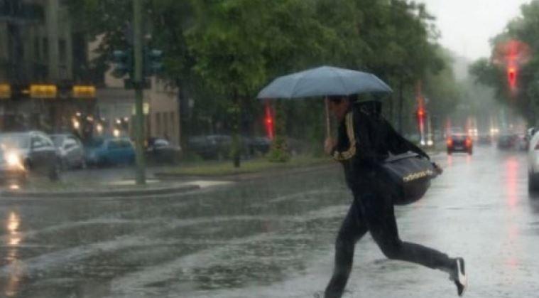 Vine potopul! Vremea se schimbă radical. 10 județe sub cod galben