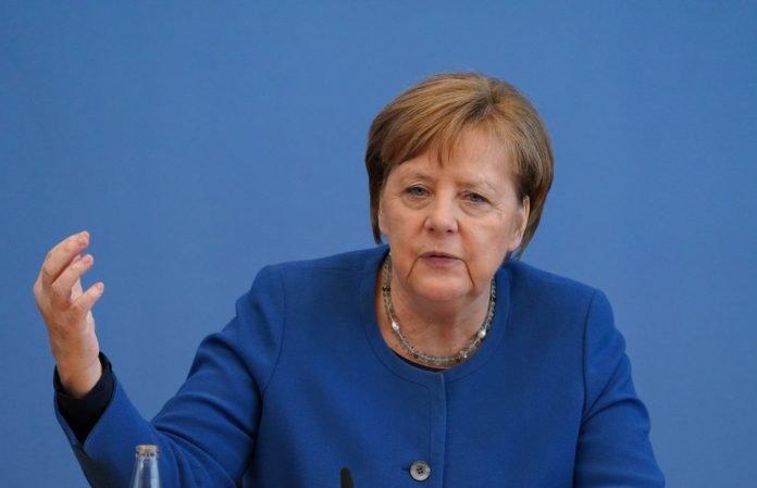 """Angela Merkel se opune relaxării măsurilor de prevenire a COVID-19: """"Virusul este aici, chiar dacă este invizibil"""""""