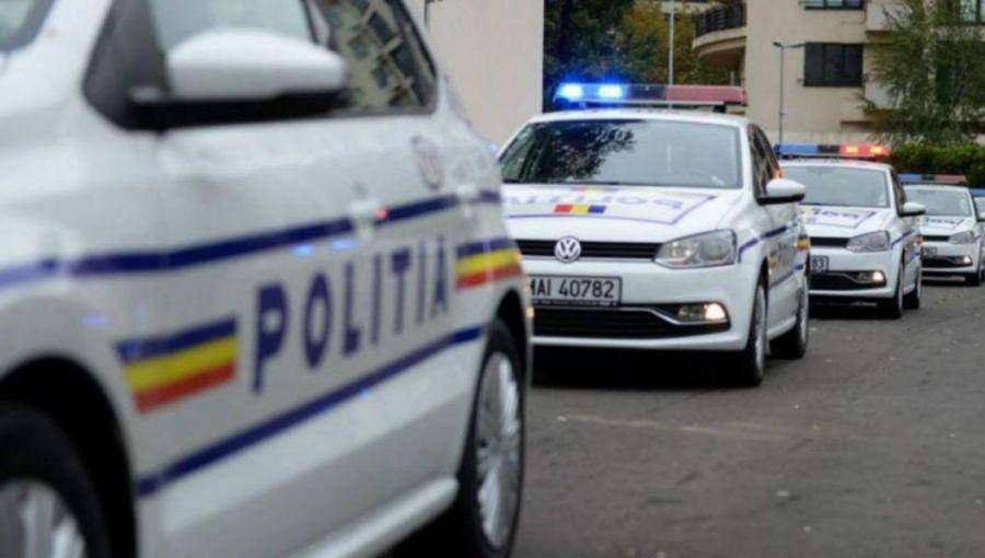 O tânără de 22 de ani a batut 9 persoane, dintre care 4 polițiști
