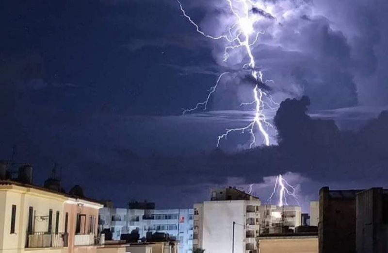 Coșmar meteo în plină vară. Avertizare COD PORTOCALIU de ploi abundente și vijelii