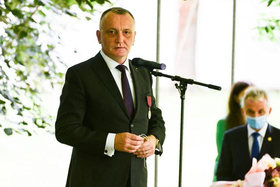 Ministrul Educației: Guvernul a adoptat OUG care face posibilă decontarea navetei elevilor