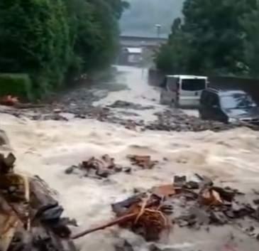Imagini cu ciclonul care se apropie de România. Fenomenul a distrus Europa de Vest