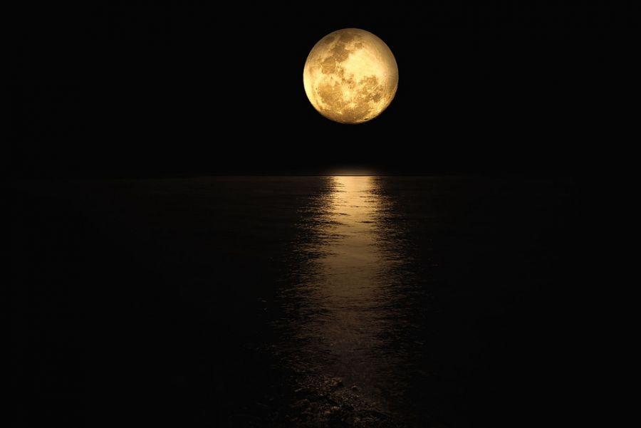 Luna Plină octombrie 2021: Pe ce dată are loc şi cum ne afectează?