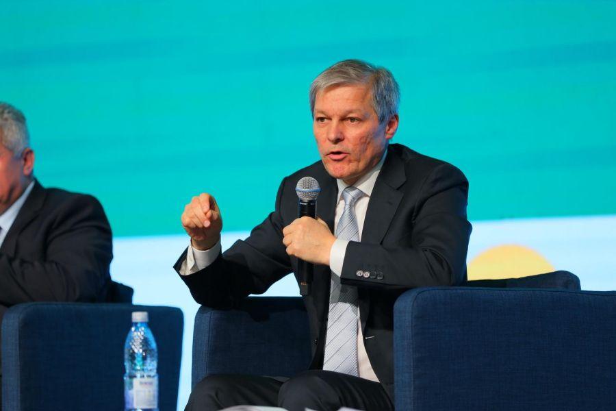 Dacian Cioloș, premierul desemnat de Iohannis, se întâlnește cu liderii PNL, UDMR și minoritățile